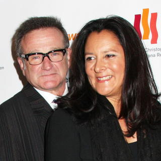 Robin Williams in The Christopher and Dana Reeve Foundation - A Magical Evening - Red Carpet