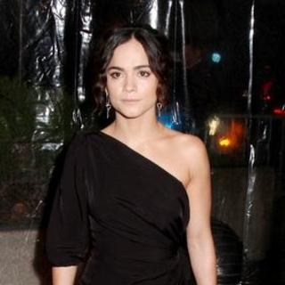 "Alice Braga in ""I Am Legend"" New York Premiere - Arrivals"