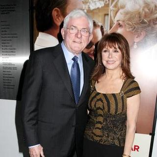 "Marlo Thomas, Phil Donahue in ""Charlie Wilson's War"" New York City Premiere - Arrivals"