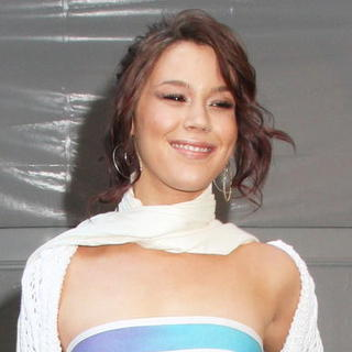Joss Stone in Mercedes-Benz Fashion Week Fall 2008 - Herve Leger By Max Azria - Outside Arrivals