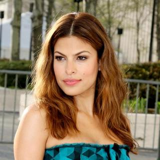 "Eva Mendes in ""La Fille Du Regiment"" Opening Night - Arrivals"