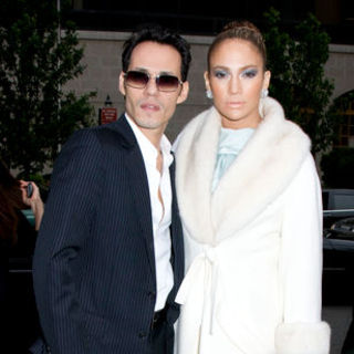Jennifer Lopez - Christian Dior Cruise 2009 Collection - Arrivals