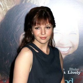 "Amber Tamblyn in ""The Sisterhood of the Traveling Pants 2"" New York City Premiere - Arrivals"