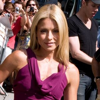 Kelly Ripa in The Late Show with David Letterman - August 5, 2008 - Arrivals