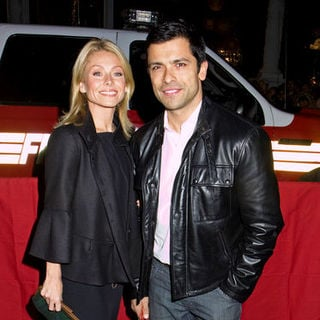 "Kelly Ripa, Mark Consuelos in ""Cadillac Records"" New York City Premiere - Arrivals"