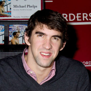 "Michael Phelps in Michael Phelps Signs Copies of His Book ""No Limits The Will to Succeed"" at Borders in New York"