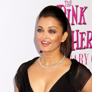 "Aishwarya Rai in ""The Pink Panther 2"" New York Premiere - Arrivals"