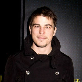 Josh Hartnett in Armani/5th Avenue Store Grand Opening Celebration - Arrivals