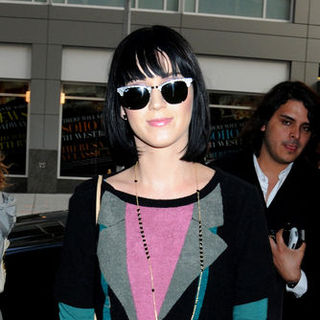 Katy Perry - Katy Perry in Downtown Manhattan on April 8, 2009
