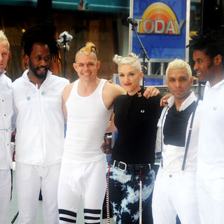 "No Doubt in No Doubt in Concert on NBC's ""Today Show"" at Rockefeller Center - May 1, 2009"