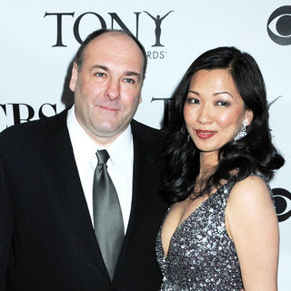 James Gandolfini, Deborah Lin in 63rd Annual Tony Awards - Arrivals