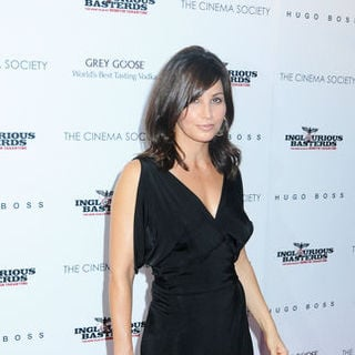 "Gina Gershon in ""Inglourious Basterds"" New York Premiere - Arrivals"