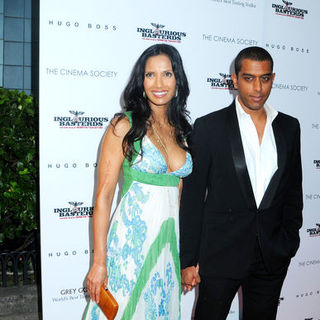 "Padma Lakshmi in ""Inglourious Basterds"" New York Premiere - Arrivals"
