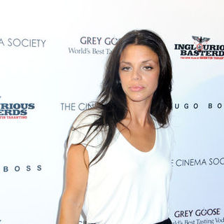 "Vanessa Ferlito in ""Inglourious Basterds"" New York Premiere - Arrivals - JTM-045785"