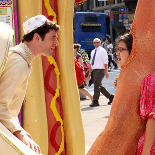 "Michael Urie, America Ferrera in ""Ugly Betty"" Filming in Lower Manhattan on August 25, 2009"