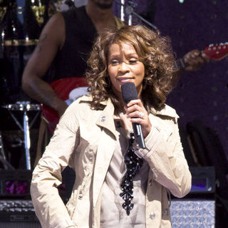 Whitney Houston in Whitney Houston in Concert on Good Morning America Summer Concert Series - September 1, 2009