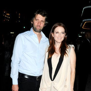 "Julianne Moore, Bart Freundlich in ""The Private Lives of Pippa Lee"" New York Premiere - Arrivals"
