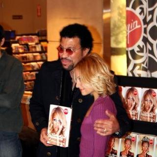 Nicole Richie, Lionel Richie in Nicole Richie Signs Copies of her Book The Truth About Diamonds at Virgin Megastore