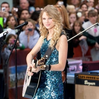 Taylor Swift - Taylor Swift in Concert on NBC's
