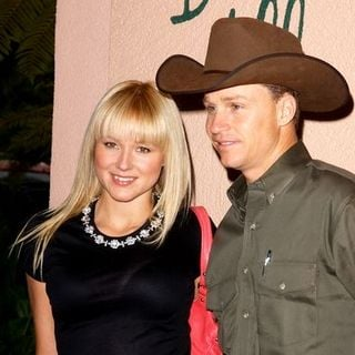 Jewel Kilcher, Ty Murray in 2004 Crest Whitestrips Style Awards - Outside Arrivals