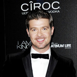 "Robin Thicke in Sean ""Diddy"" Combs' 40th Birthday Celebration Presented by Ciroc Vodka - Arrivals - MVN-001150"