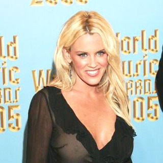 Jenny McCarthy in 2005 World Music Awards - Arrivals - NTR-000353