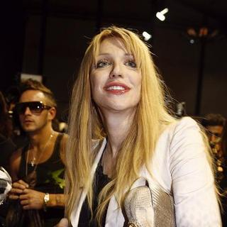 Courtney Love in Paris Fashion Week - Spring/Summer 2008 - Celebrity Highlights