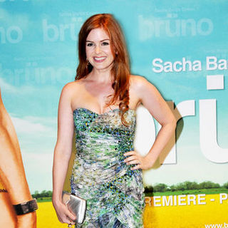 "Isla Fisher in ""Bruno"" Paris Premiere - Arrivals"