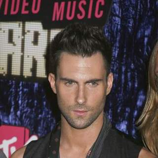 Adam Levine, Maroon 5 in 2007 MTV Video Music Awards - Red Carpet