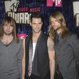 Maroon 5 in 2007 MTV Video Music Awards - Red Carpet
