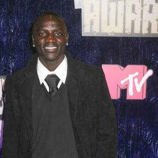 Akon in 2007 MTV Video Music Awards - Red Carpet