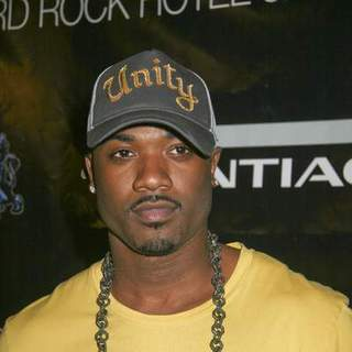 Ray J in 50 Cent Performance - Red Carpet