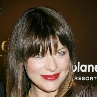 Milla Jovovich in Resident Evil: Extinction - World Movie Premiere in Las Vegas - PRN-008300