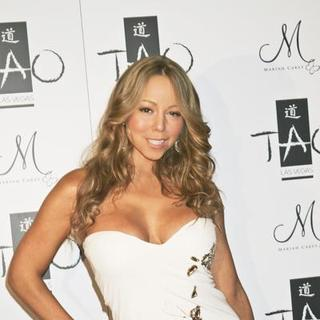 Mariah Carey - Mariah Carey Hosts a New Year's Eve 2008 Party at TAO Nightclub in Las Vegas