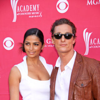 Camila Alves, Matthew McConaughey in 44th Annual Academy Of Country Music Awards - Arrivals