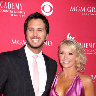 Luke Bryan, Caroline Bryan in 44th Annual Academy Of Country Music Awards - Arrivals