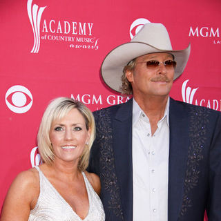 Alan Jackson, Denise Jackson in 44th Annual Academy Of Country Music Awards - Arrivals