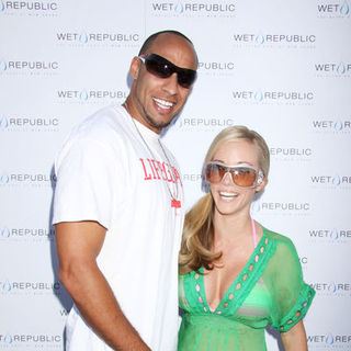 Kendra Wilkinson, Hank Baskett in Kendra Wilkinson Hosts a Poolside Bash to Launch Memorial Day Weekend at WET Republic Las Vegas