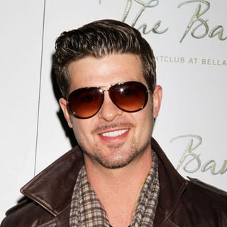 Robin Thicke in Robin Thicke Special Performance at The Bank Nightclub in Las Vegas - Arrivals