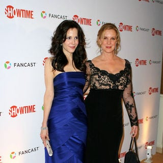 Mary-Louise Parker, Elizabeth Perkins in 66th Annual Golden Globes - Showtime After Party - Arrivals