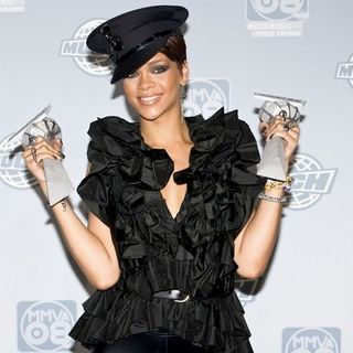 Rihanna - The 19th Annual MuchMusic Video Awards - Press Room