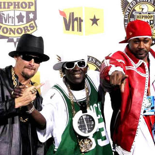 Kid Rock, Flavor Flav, Ghostface Killah in 5th Annual VH1 Hip Hop Honors - Arrivals