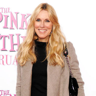 "Alana Stewart in ""The Pink Panther 2"" New York Premiere - Arrivals"