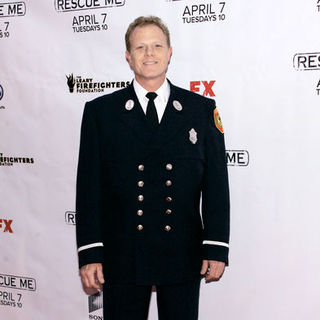"Mike Murphy in ""Rescue Me"" Season 5 New York City Premiere - Arrivals"