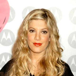 Tori Spelling - Motorola's 5th Anniversary Party Benefiting Toys for Tots