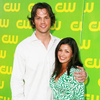 Jared Padalecki, Sandra McCoy in The CW Launch Party - Green Carpet