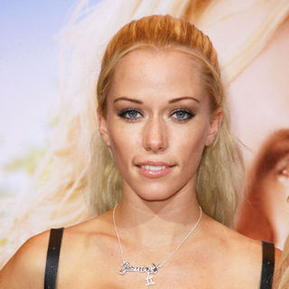 "Kendra Wilkinson in ""The House Bunny"" Los Angeles Premiere - Arrivals"