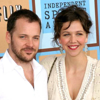 Maggie Gyllenhaal, Peter Sarsgaard in Film Independent's 2006 Independent Spirit Awards - Arrivals