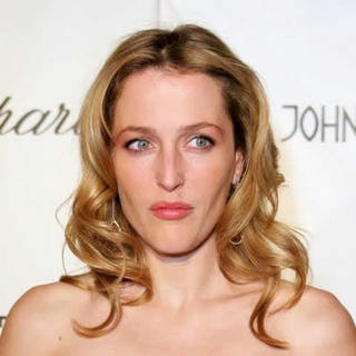 Gillian Anderson in 13th Annual Elton John Aids Foundation In Style Oscar Party