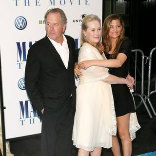 "Meryl Streep, Don Gummer, Grace Gummer in ""Mamma Mia!"" World Premiere - Arrivals"